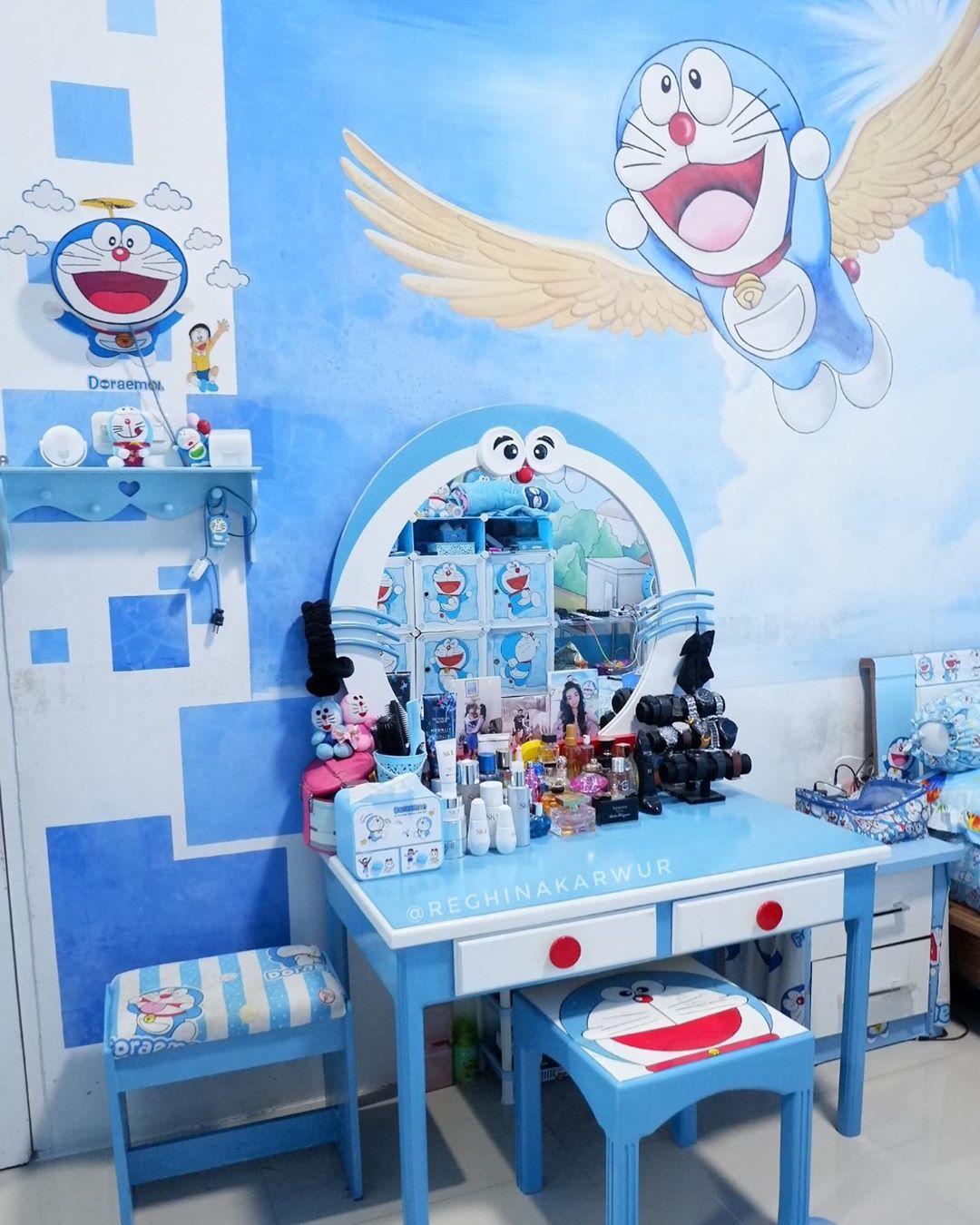 Desain Meja Make Up Doraemon