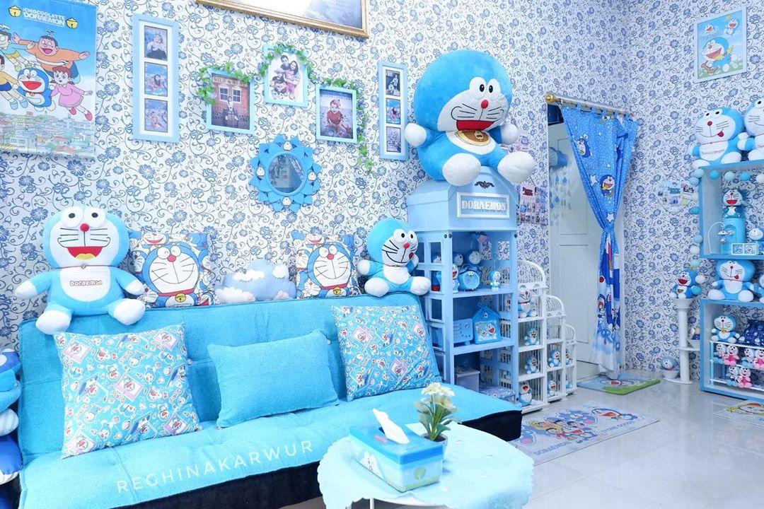 Desain Rumah Serba Doraemon dengan Wallpaper Dinding Motif Doraemon