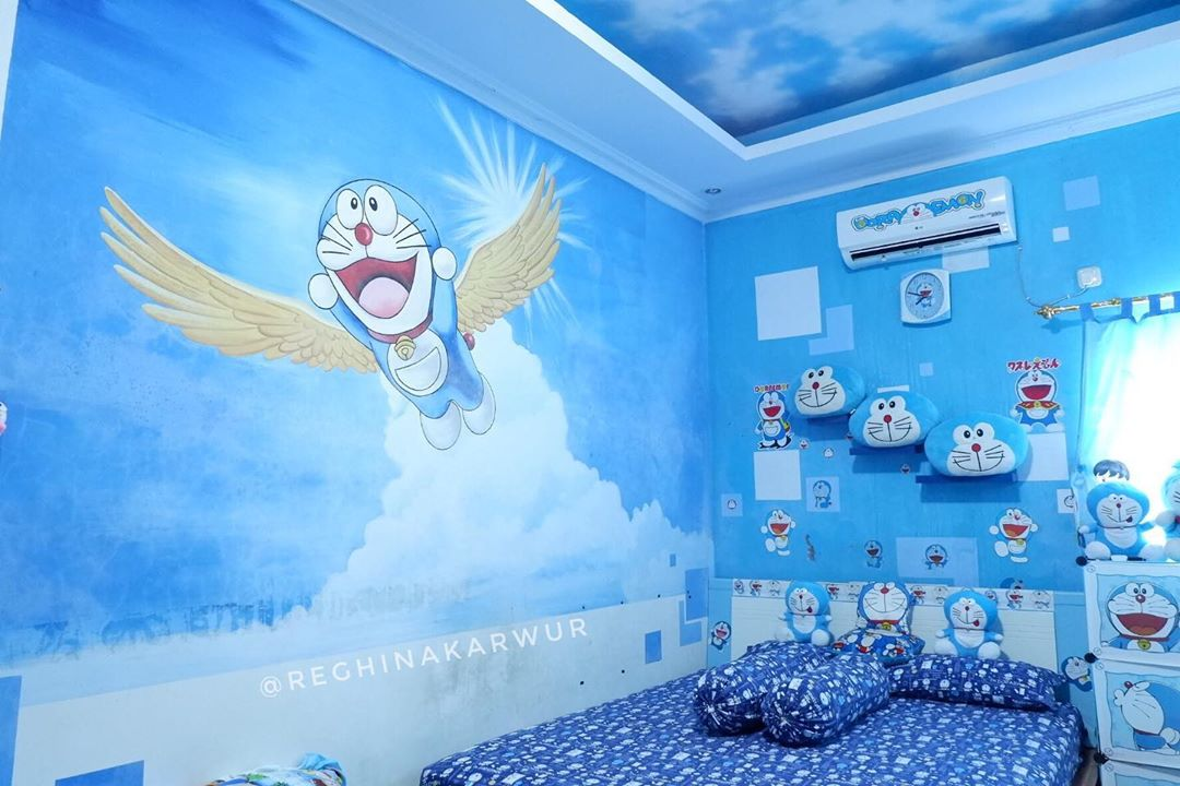 Gambar Doraemon di Dinding Kamar Tidur